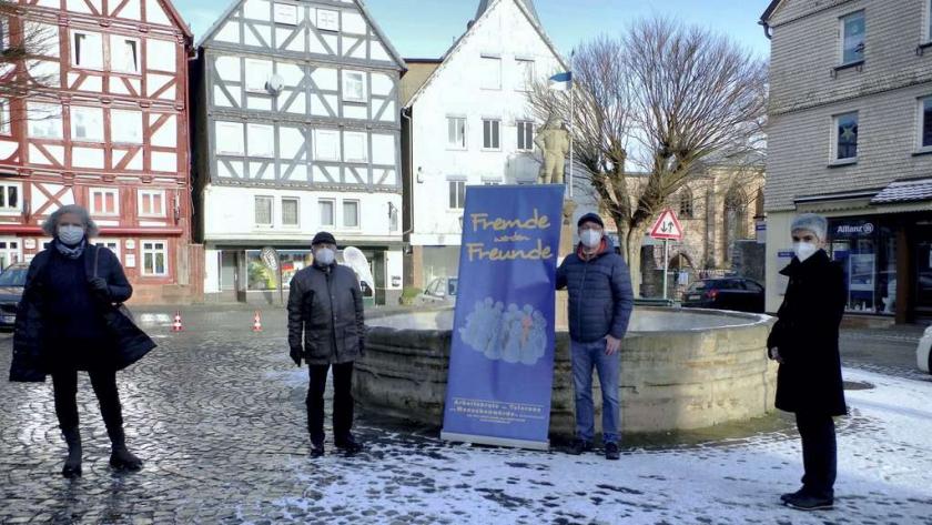 24885968-spendenuebergabe-arbeitskreis-toleranz-menschenwuerde-schwalmstadt-3Va7